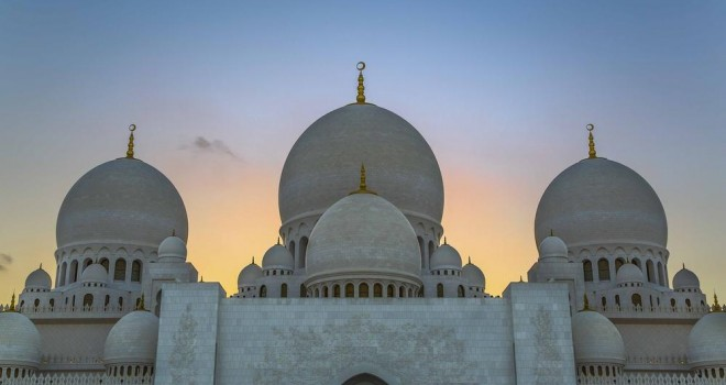 Sheikh Zayed main domes Photo by Younes Boudiaf