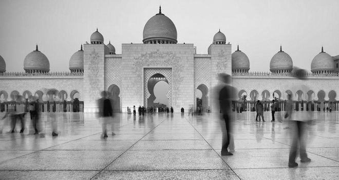 Around Sheikh Zayed Mosque Photo by Muna Al Zaabi V02