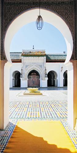تأسست أقدم جامعة تطبيقية في مدينة فاس بالمملكة المغربية في سنة 859 ميلادية. Karol Kozlowski/Alamy